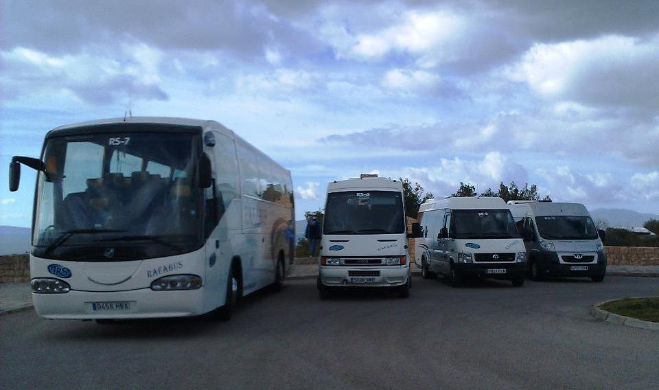 Transfer desde el aeropuerto y puerto de Palma de Mallorca a su hotel en Cala Ratjada